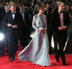 Princesha Kate shkëlqen në premierën e filmit të ri të James Bond