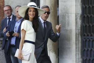 Amal Kluni është shtatzënë