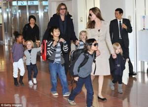 Brad Pitt : Ja si është të kesh 6 fëmijë