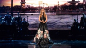"""Celine Dion me """"Hymne A L'amour"""" nderon viktimat e Parisit"""