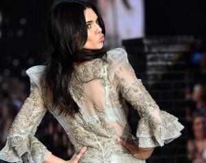 Kendall Jenner tregon zogun