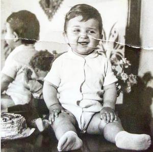 Ja si dukej Ardit Gjebrea kur ishte fëmijë