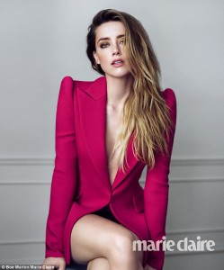 Amber Heard pozon topless