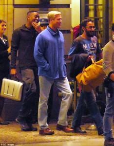 """Transformimi i Brad Pitt për filmin e ri """"War Machine"""""""