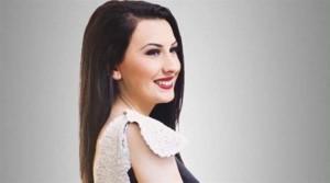 """Dafina Morina vjen me këngën e re """"Si zingjin si fukara"""""""