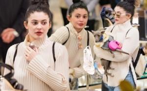 Kylie Jenner shokon pa make-up