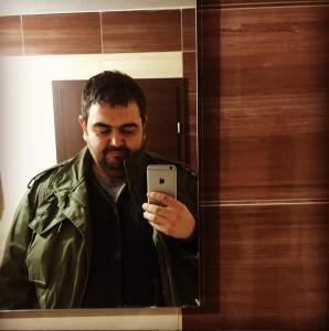 Edhe Fatmir Spahiu me 'selfie' në banjë