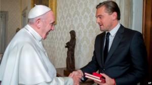 Leonardo DiCaprio takohet me Papa Françesku