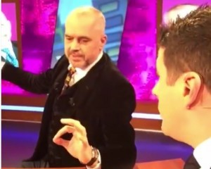 """Edi Rama i merr """"peng"""" emisionin Ermalit… dhe një video sherri"""