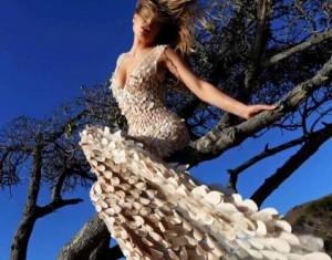 Vjollca Llapashtica dizajnon fustane elegant vetëm për SHBA-në