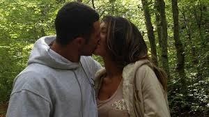 Pse Roberti nuk e puthi Norën katër muaj pasi e njohi?