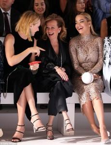 Rita Ora vazhdon me shfaqjen e hot në Paris