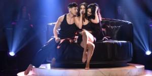 Selena Gomez shfaqet provokuese në skenë