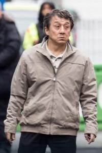 Jackie Chan po plaket shpejt