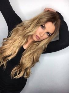 Leonora Jakupi ka një mesazh për shqiptarët
