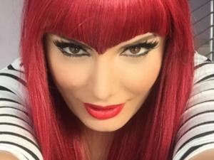 Albërie Hadërgjonaj bëhet flokë të kuqe