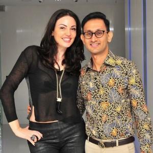 Bleonen në Indonezi, po e quajnë Angelina Jolie