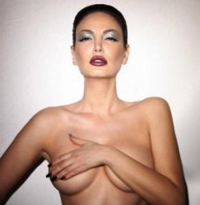 Bleona Qereti përsëri me foto nudo