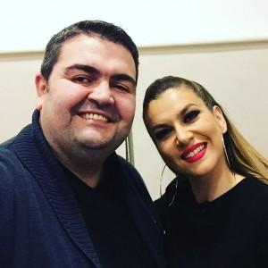 Leonora Jakupi pozon në krahët e Fatmir Spahiut