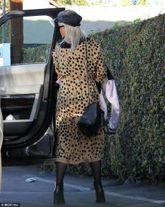 Rita Ora vishet si leopard