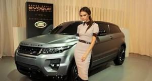 Victoria Beckham shet makinën e dizenjuar prej saj