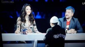 Bleona merr propozim për martesë 'live' në TV, kështu reagoi këngëtarja