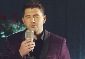 Burim Hoxha publikon këngën  'Shok'