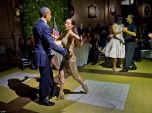 Brukseli digjet, Barack Obamakërcen