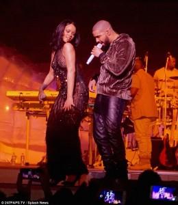 Rihanna pa sutjena në performancë me Drake