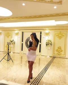 Adelina Berisha tregon format seksi në setin e ri