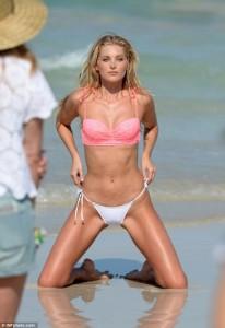 Elsa Hosk tregon trupin përfekt