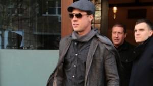 Brad Pitt shpëton një fanse