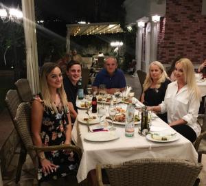 Adelina Berisha prezanton familjen e saj