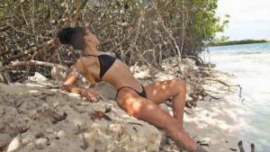 Dafina Zeqiri po shijon pushimet në Santorino