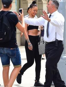 Ja si duket Rihanna pa grim