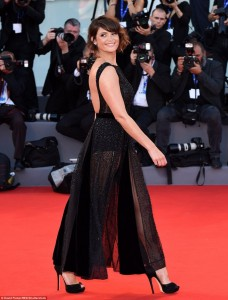 Gemma Aretron, shkëlqenë në tapetin e kuq