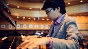 Joey Alexander është vetëm 13 vjeç, por e ka mahnitur botën me muzikën e tij
