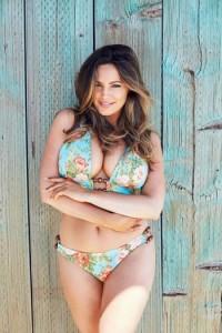 Kelly Brook shfaqet nudo