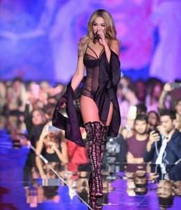 """Rita Ora, """"engjëlli i ardhshëm i Victoria Secret"""""""