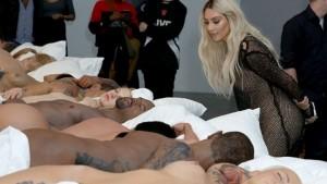 Skulpturat e Kanye West nuk janë për shitje