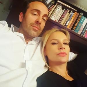Rudina Magjistari poston foto me Xhavit Bajramin