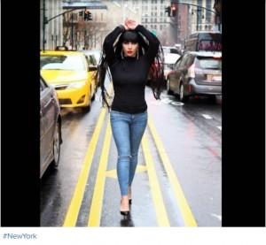Ingrit Gjoni bllokon trafikun në New York