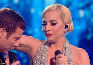 Lady Gaga akuzohet për ndërhyrje kirurgjike