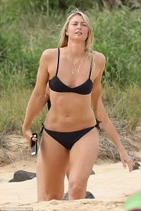 Maria Sharapova po i shijon pushimet në Havai