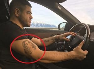 Noizy heq tatuazhin me portretin e ish të dashurës, ja me çfarë e ka zëvendësuar