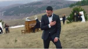 """Robert Berisha publikon baladën e re """"Të Dua"""""""