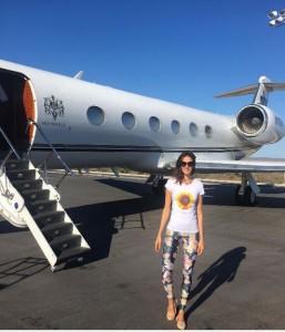 Vetëm kjo modele shqiptare ka avion privat