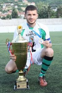 A e dini se djali i Ramiz Lladrovcit është futbollist i njohur?