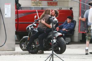 Cooper dhe Gaga puthen në setin e xhirimeve