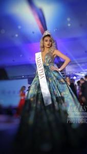Vajza e biznesmenit të njohur shpallet Miss Peja